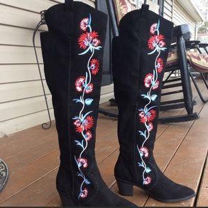 Women's black Carlos Santana Alexia Boots Siz 10M